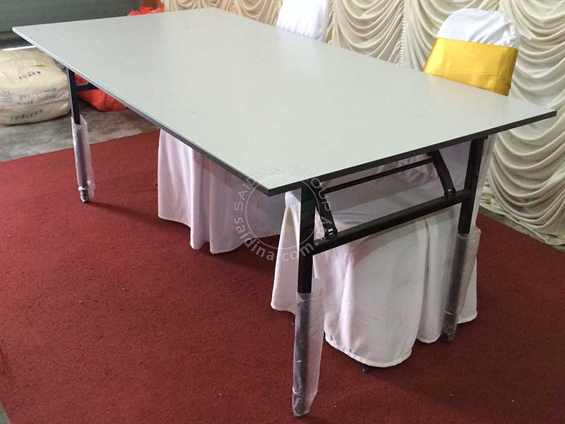 RECTANGILAR BANQUET TABLE