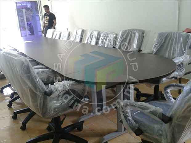 meja mesyuarat
